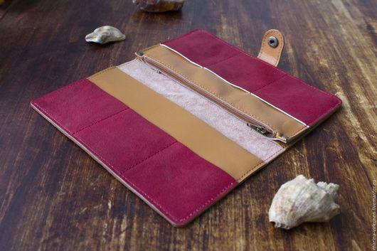 Кошельки и визитницы ручной работы. Красное женское портмоне, из натуральной кожи