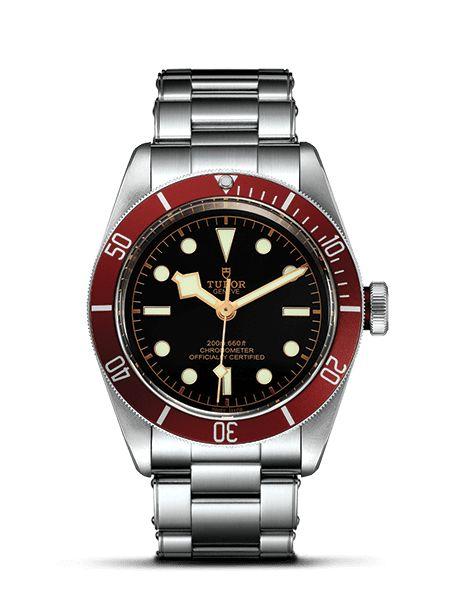 L'orologio subacqueo #Heritage Black Bay è stato aggiornato nel 2016. Scopri i nuovi modelli Black Bay sul sito ufficiale #Tudor.