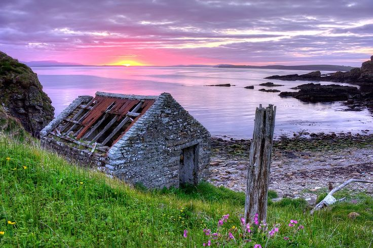 Bothy by the sea 2.