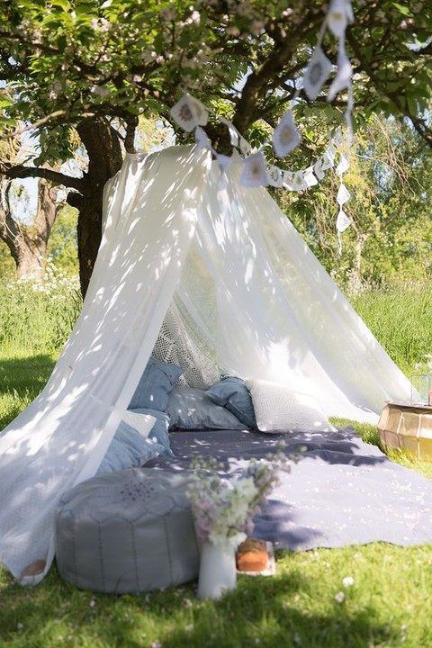 Super cool idea for outdoors, maybe make it into an baby play area?