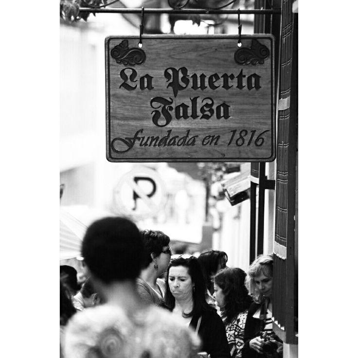 La puerta falsa #LaPuertaFalsa #BogotáCity #CentroDeBogotá #GarcasPhotographer #Sunday #Memories #Ícono #TamalConChocolate