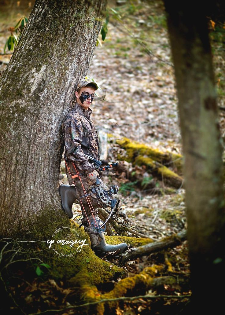 Country boy senior pictures. Cpimagery. West Virginia. Hunting senior pictures. Bow hunter.