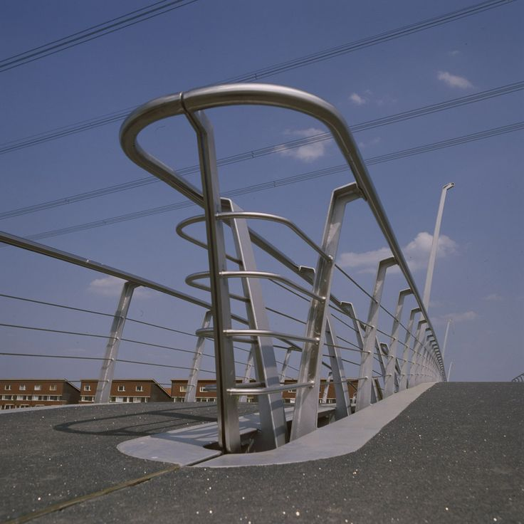 Detail of bridge in Nesselande, Rotterdam. Design by ipv Delft.