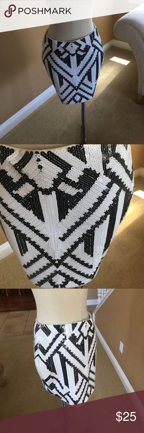 Sequin black and white mini skirt sz L Black and white sequin skirt ANGL Skirts Mini