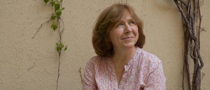 http://mundodelivros.com/svetlana-alexievich/ - A bielorussa Svetlana Alexievich foi distinguida com o Prémio Nobel da Literatura 2015, uma das mais aclamadas distinções literárias da atualidade. Esta é a 14º vez que a Academia Sueca distingue uma mulher, sucessora de Patrick Modiano, vencedor do ano passado.