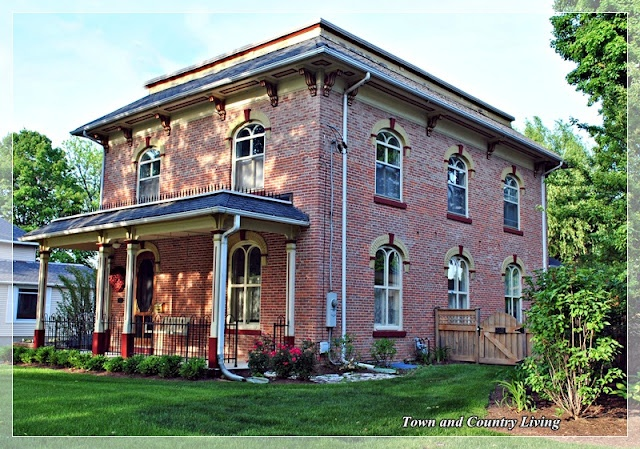 House Ideas: Future Houses, Future Rehab Dreams, Country Living, Houses Ideas, Old Houses, Historical Home, Historic Homes, Illinois Historical, Sycamore Illinois