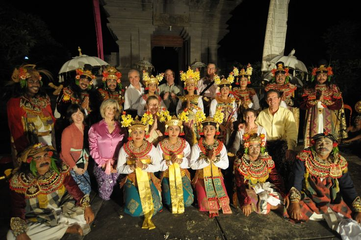 We plan private performances for our travellers, like this Balinese village performance in a temple.