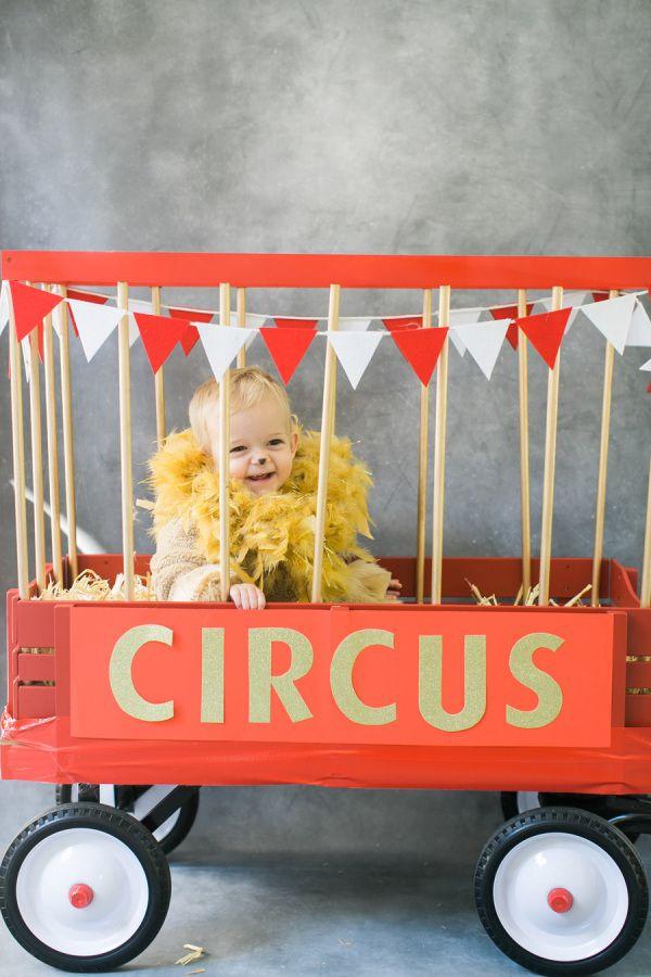 Circus lion costume! http://www.stylemepretty.com/living/2015/10/07/diy-halloween-costume-circus-lion/ | Photography: Ruth Eileen - http://rutheileenphotography.com/