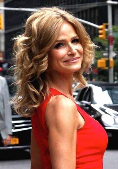 Kyra Sedgwick  ((born August 19, 1965) is an American actress and producer. She is best known for her starring role as Deputy Chief Brenda Leigh Johnson on the TNT crime drama The Closer. Sedgwick's role in the series won her a Golden Globe Award in 2007 and an Emmy Award in 2010