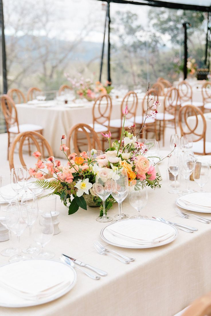 La Tavola Fine Linen Rental: Beckett Sand with Tuscany Eggshell Napkins   Photography: Larissa Cleveland Photography, Event Planning & Design: Alison Events, Florals: Charlotte & Daughters, Paper Goods: Little Miss Paper, Tent & Rentals: Hensley Event Resources