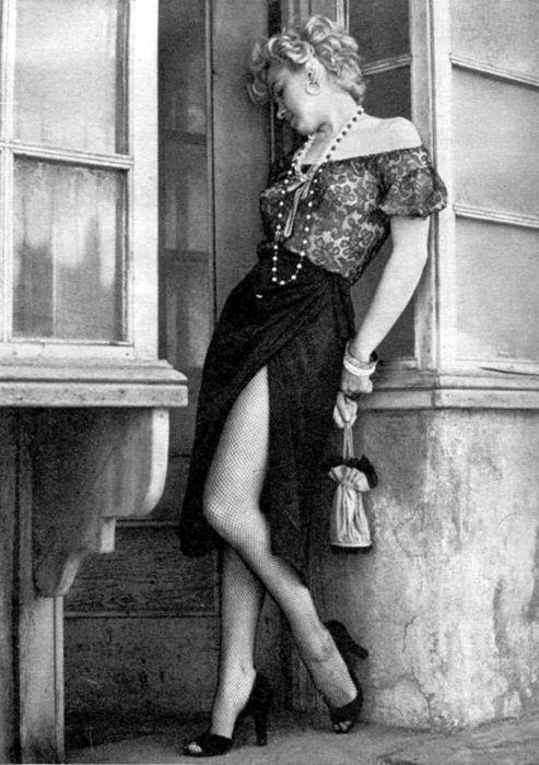 "Marilyn Monroe, ""Hooker Series"" photographed by Milton Greene, in Los Angeles, April 1956."