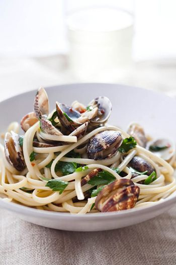 """Linguine with Clams   - From Mario Batali's new iPhone/iPad app, """"Mario Batali Cooks!:""""  Taken from Goop newsletter"""