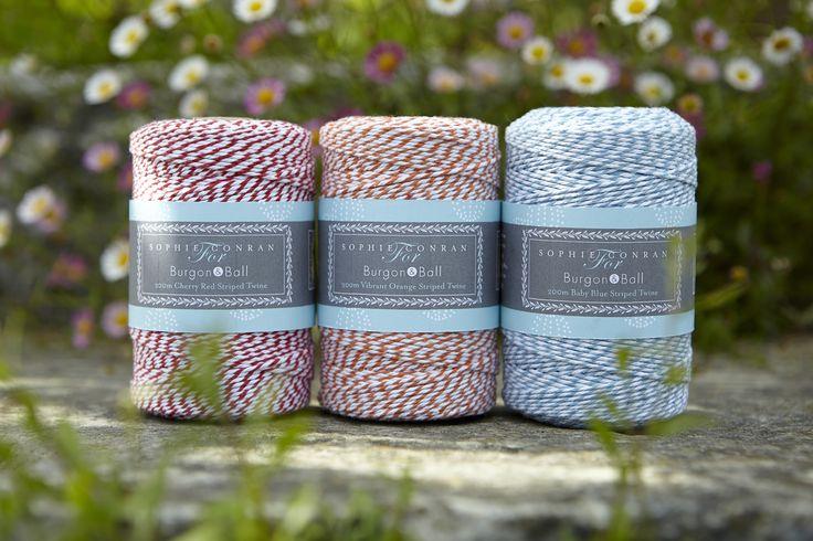 Traditioneel gestreept touw (200m) ideaal voor het vastbinden van bloemen en kruiden, inpakken van geschenken en nog veel meer ...