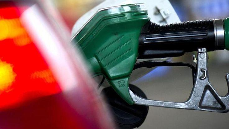 Für den Klimaschutz: Regierung erwägt höhere Steuern auf Benzin und Heizöl