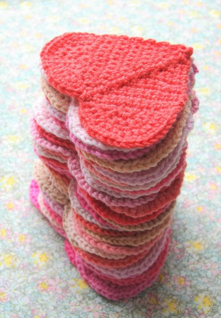 Happy Valentine's Day!  I have posted the crochet pattern to make these hearts here: http://rosehip.typepad.com/rose_hip_blog/2017/02/heart-making.html