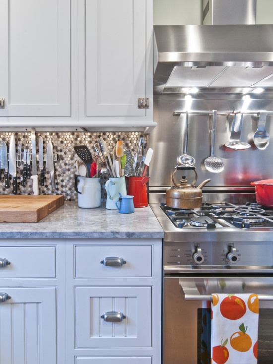 love the backsplash behind the stove for the home pinterest