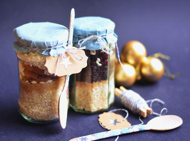 Jópofa ajándék azoknak, akik szeretik a jót, de nem tudnak főzni. Hozzávalók üvegben, utasítás mellékelve.