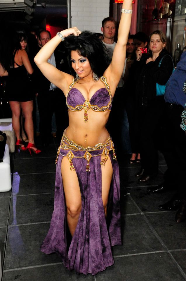 Want to belly dance? With professional tips, you can start belly dancing today.