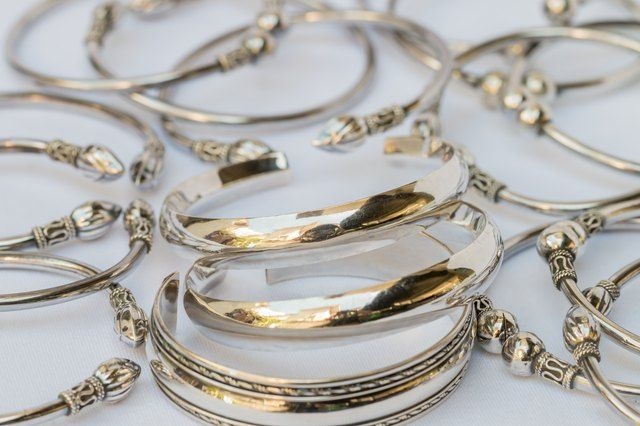 How To Tell If Something Is Silver Not Silverplate In 2020 Jewelry Silver Silver Jewelry