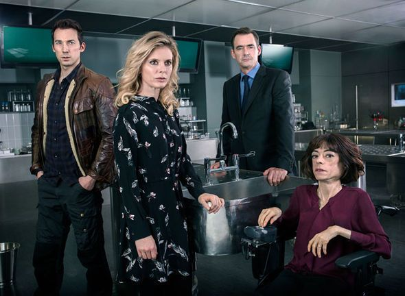 Silent Witness star Liz Carr speaks out after being STABBED in the head 'Very frightening' - http://buzznews.co.uk/silent-witness-star-liz-carr-speaks-out-after-being-stabbed-in-the-head-very-frightening -