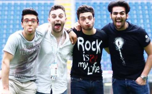 The guys with Lorenzo Fragola (Sanremo winner) making some questionable faces!!  HA!