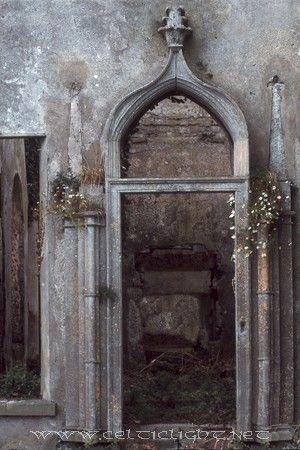 Irish country house ruins