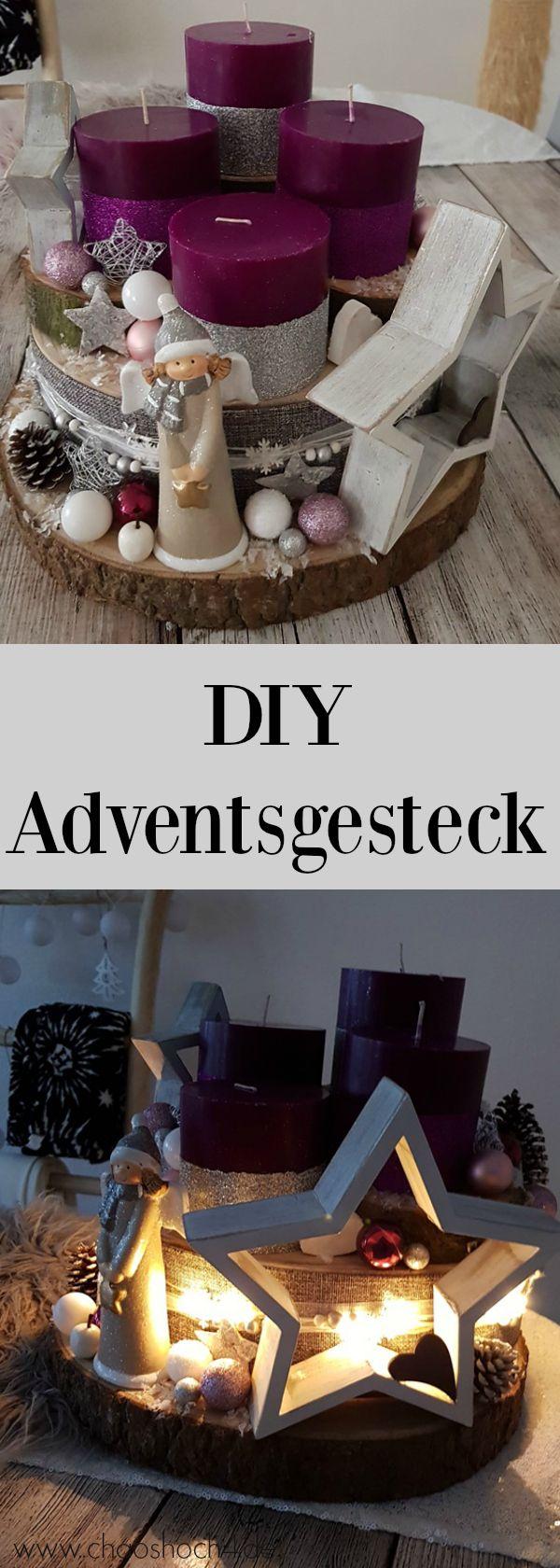 Einfach, schnell und günstig ein Adventsgesteck aus Baumscheiben und Weihnachtsdekoration aus dem 1€ Laden basteln. Trotzdem ist dieser moderne DIY Adventskranz auf jedem Tisch ein mega hingucker.