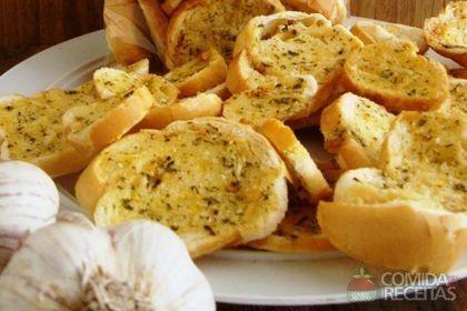 Receita de Torrada de alho especial em receitas de paes e lanches, veja essa e outras receitas aqui!