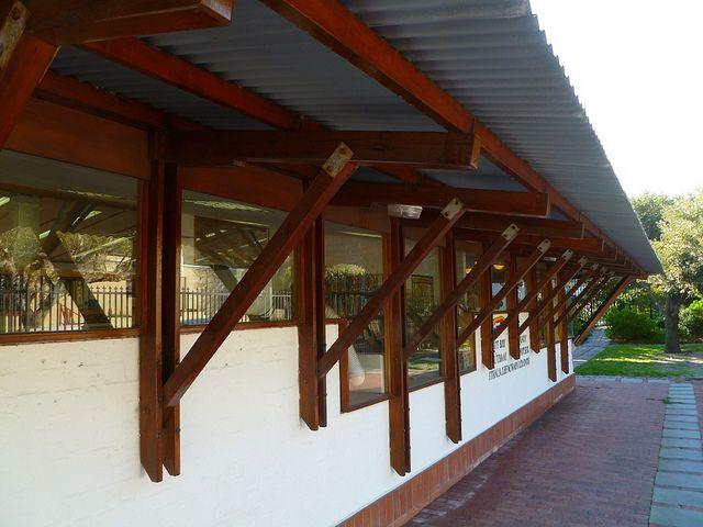 roelof uytenbogaardt_Hout Bay Library