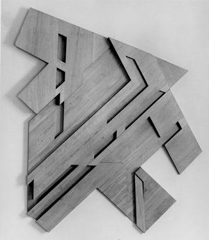 Variable frame shape.  Frank Stella, Rzochow III, 1973. Collection SFMOMA.