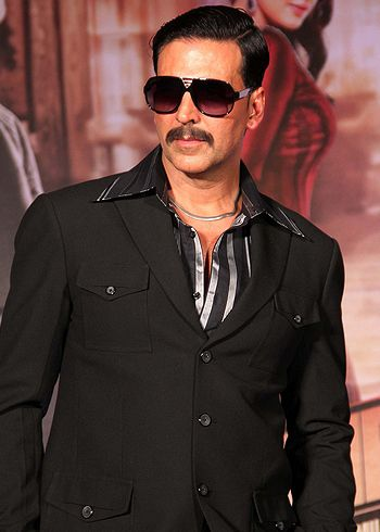 best 25 akshay kumar ideas on pinterest bollywood actors akshay kumar next movie and bollywood. Black Bedroom Furniture Sets. Home Design Ideas