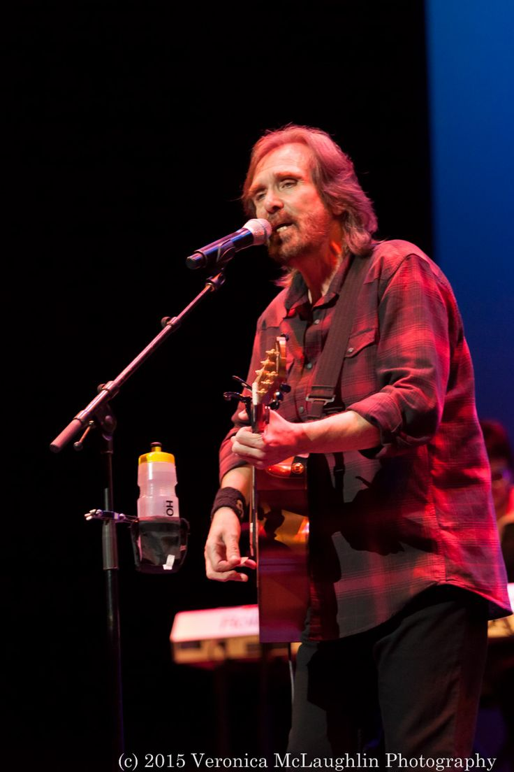Dennis Locorriere's blast from the 70's sure kept his fans jumping and singing along last night #DrHook #DennisLocorriere #13thfloor #13thfloornz #veronicamclaughlinphotography #SylviasMother http://13thfloor.co.nz/dennis-locorriere-asb-theatre-april-29-2015/