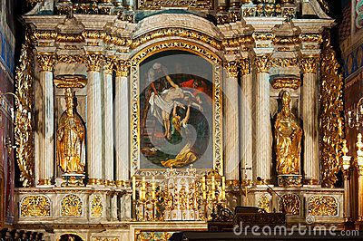 The church of St. Nicholas in Kalisz was founded in 1253-1257. It was reubilt many times, with altar in the baroque style. In its central part - the paining Descent from the Cross by PP Rubens.