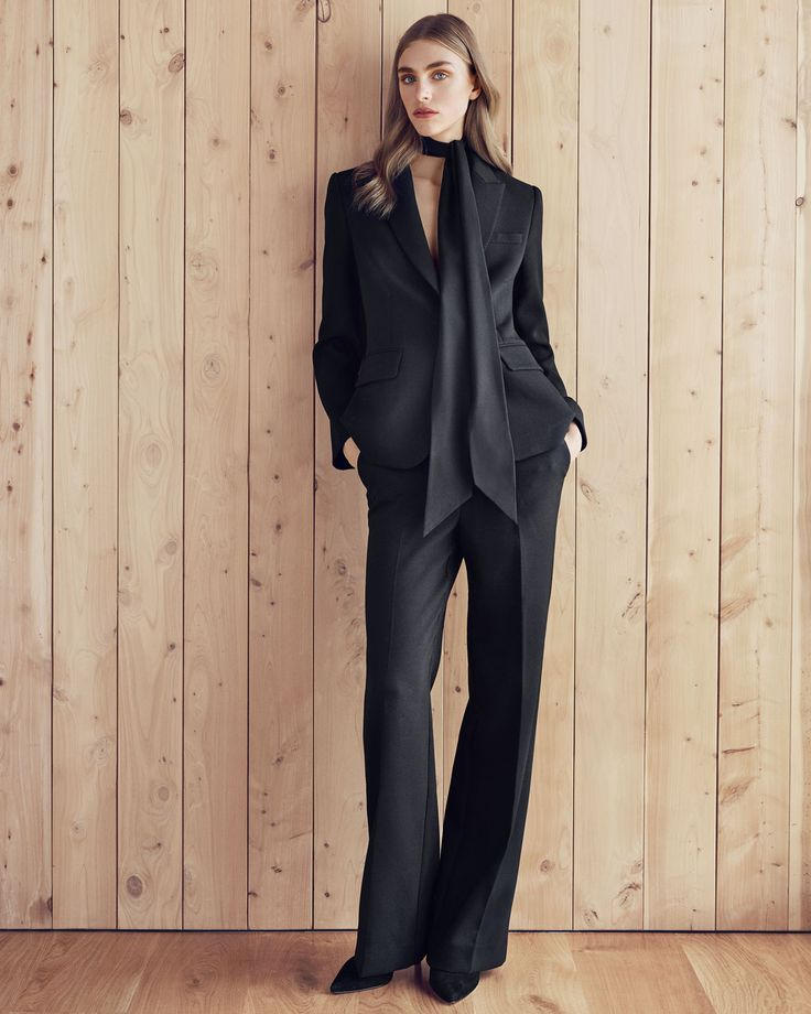 A modern take on the tailored jacket, it has dart detailing and a flattering fit. #countryroadstyle