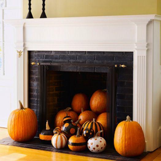 https://i.pinimg.com/736x/30/74/dd/3074ddc9bb75f63d5926165f7d3c2f39--halloween-fireplace-halloween-ideas.jpg