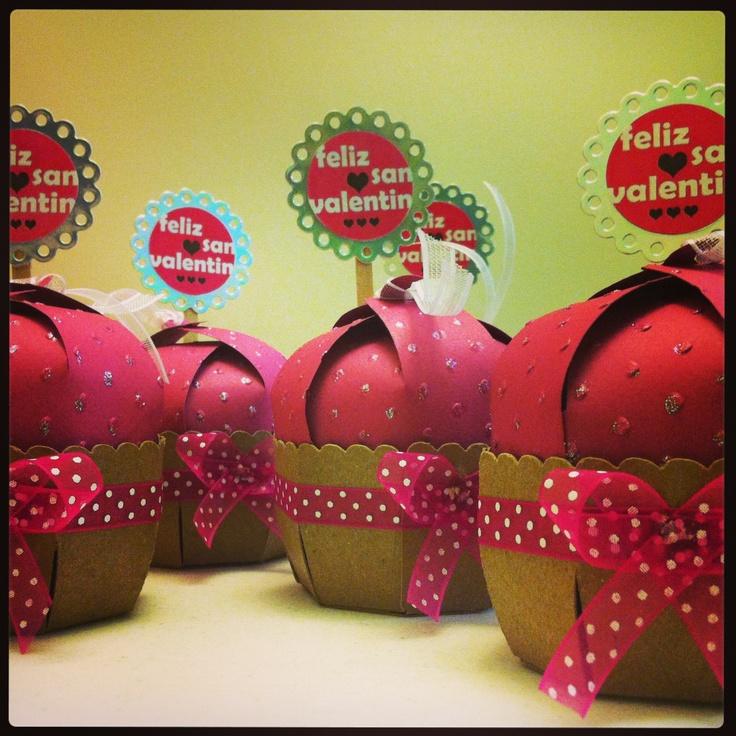 Cricut San Valentine's Cupcake