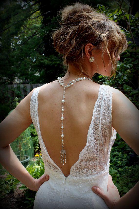 Ultima moda: collares atrás??? 5