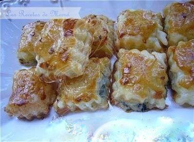 Bocaditos de hojaldre y Roquefort http://www.pinterest.com/rujodan/aperitivos-y-entrantes/