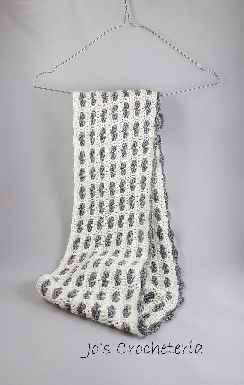 Free Crochet Heart Scarf Pattern by Jo's Crocheteria  #crochet #freecrochet #freecrochetscarf #easycrochet #freecrochetpattern #freecrochetpatterns #hekkle #uncinetto #joscrocheteria