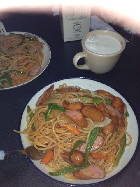 休日の昼ご飯はパスタが多いです。はい、勿論手を抜けるからです!! - 2件のもぐもぐ - ナポリタン by GURULI