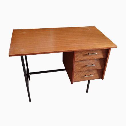 Modernistischer Schreibtisch Mit Drei Schubladen Jetzt Bestellen Unter:  Https://moebel.ladendirekt