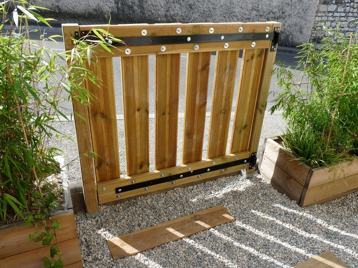 Fabriquer un portillon en bois portillon pinterest for Portillon jardin en bois