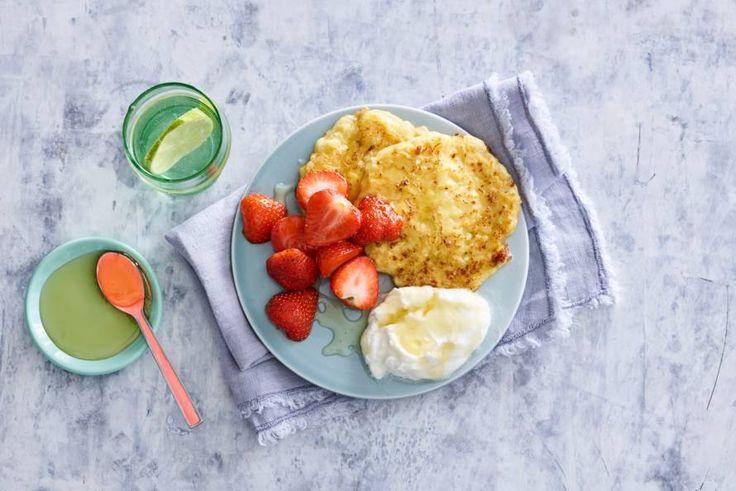 Ontbijten met pannenkoeken en fruit: lekker en verantwoord - Recept - Allerhande