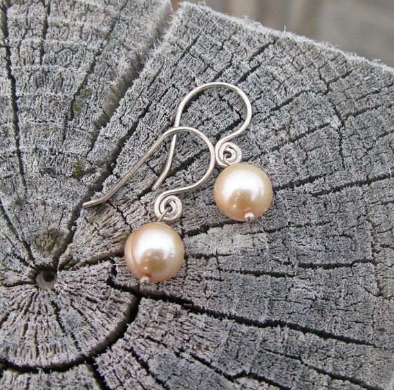 Latte Cultured Pearl Classic -Handforged Sterling Silver #Earrings by BijouxPdE #Jewelry Design Materials: - 8-9mm freshwater cultured pearls (AA) in a creamy latte color. - .925 Sterling Silver hanforged earwires #HandmadeJewelry