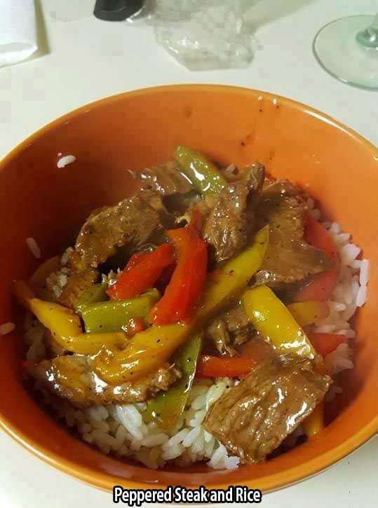 Ingredients  3 servings    2 packages Skirt Steak  1 1/2 cup White Rice  2 Bell Peppers  1 cup Brown Gravy  ground black pepper  Seasoning Salt  2 tsp Butter    Method  45 mins    I used regular long grain white rice, so I started that first. (If you're using minute