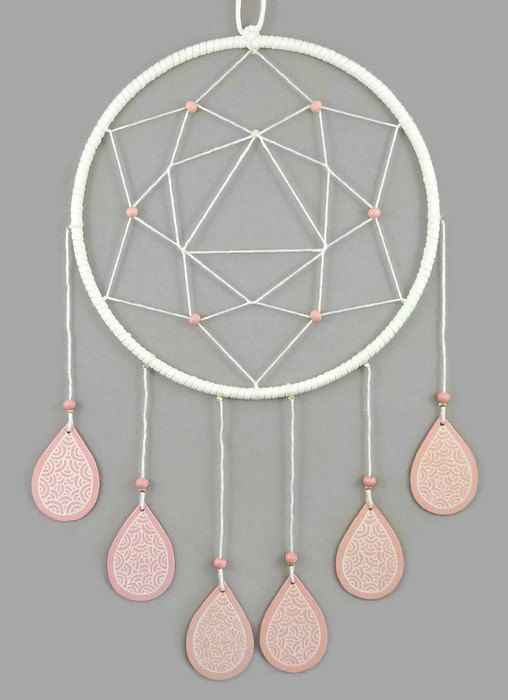 White dreamcatcher with coral pink drops, modern and sweet dreamcatcher, pastel dreamcatcher, birth gift, nursery decor, wall decor for kid's room, home decor - Made on order by @savousepate on Etsy - pinned by pin4etsy.com #rosequartz
