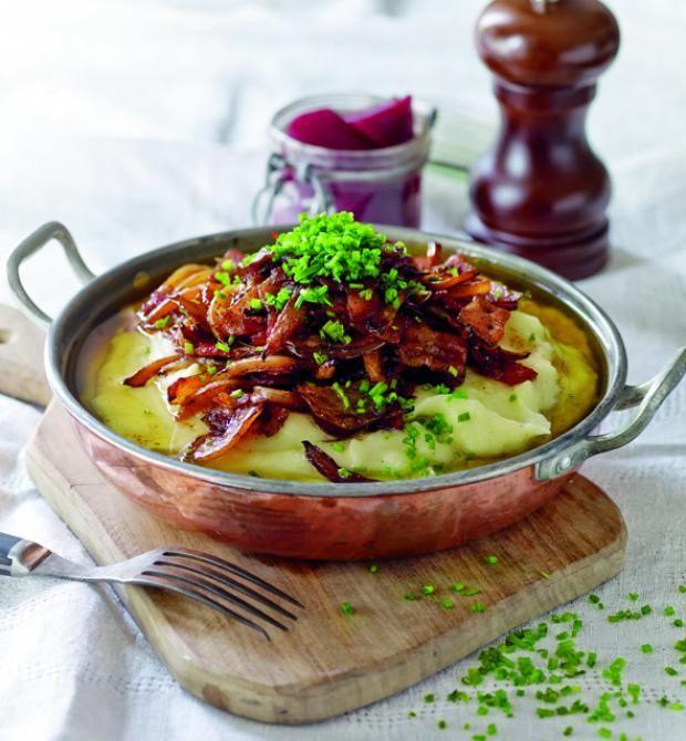 Hvorfor opfinde den dybe tallerken hver gang du laver aftensmad, når de nemme, danske hverdagsretter står i kø for at blive serveret? Her får du den bedste opskrift på brændende kærlighed.