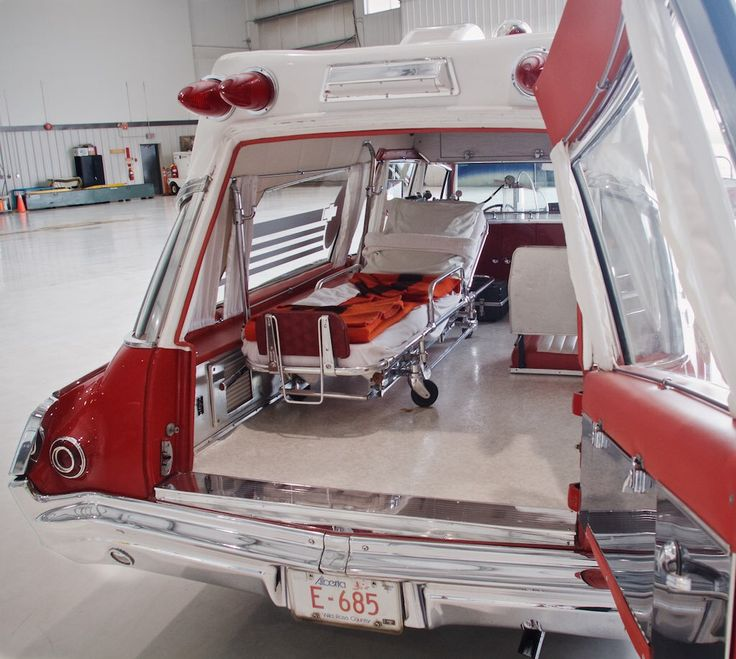 1965 Pontiac Bonneyville Ambulance by Superior