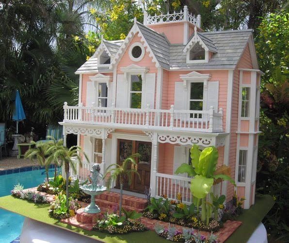 Robin Carey's Immaculate Dollhouse