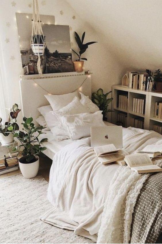 Amped Fleece Boo Pillow – ♡ d e s i g n ♡